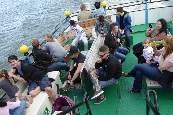 BewohnerInnen an Bord eines DDSG-Schiffs (Bild: FSW )